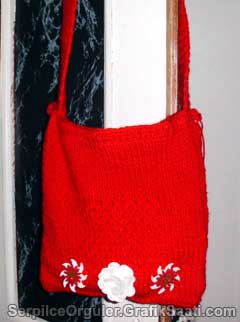 Serpilce.ile Serpilce örgüler örgü modelleri örnekleri süslü kırmızı yün kadın çantası